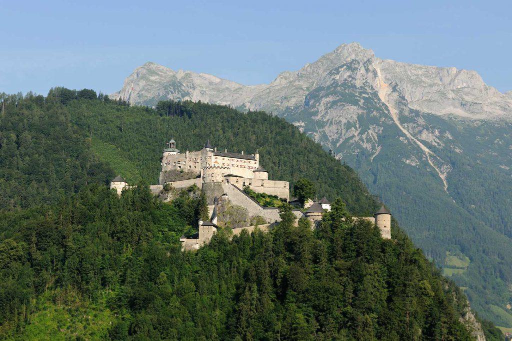 Burg Hohenwerfen mit Ritteressen