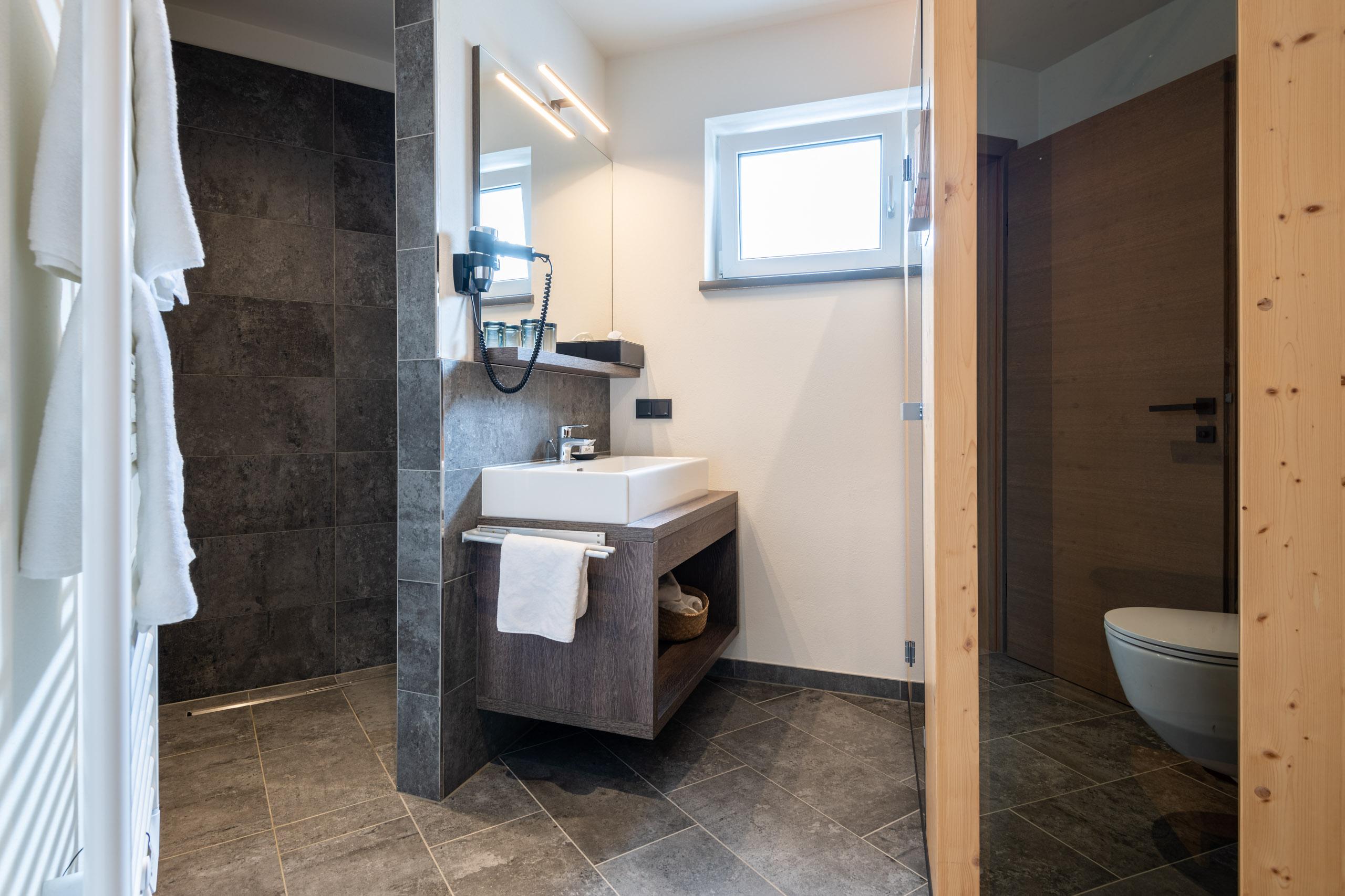 Badezimmer im Penthouse